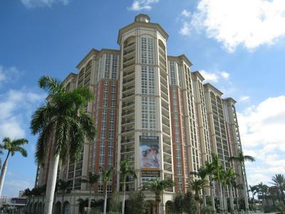 550 OKEECHOBEE BLVD APT 1008, West Palm Beach, FL 33401 - Photo 1