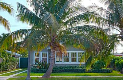 216 LAKELAND DR, West Palm Beach, FL 33405 - Photo 1