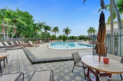 4958 N HEMINGWAY CIR, Margate, FL 33063 - Photo 1
