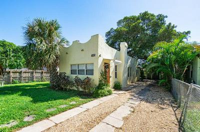 624 GLENRIDGE DR, West Palm Beach, FL 33405 - Photo 1