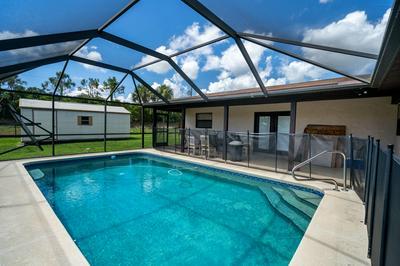 282 SE GROVE AVE, Port Saint Lucie, FL 34983 - Photo 2