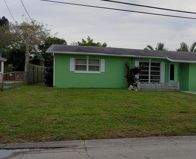 211 GARDENIA AVE, FORT PIERCE, FL 34982 - Photo 1