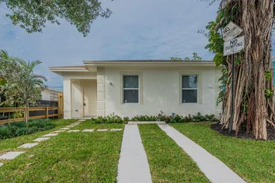 626 LATONA AVE, Lake Worth, FL 33460 - Photo 2
