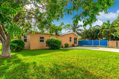 774 E PRIMA VISTA BLVD, Port Saint Lucie, FL 34952 - Photo 2