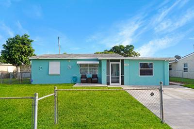 2819 BUCKLEY AVE, Lake Worth, FL 33461 - Photo 2