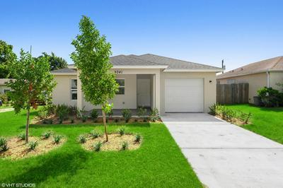 5041 SE KINGFISH AVE # 8, Stuart, FL 34997 - Photo 1