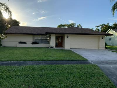 101 SHERWOOD DR, Royal Palm Beach, FL 33411 - Photo 2
