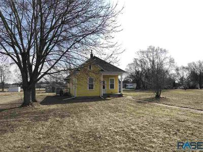 411 STAFFORD ST, Scotland, SD 57059 - Photo 2