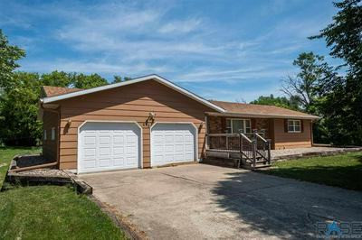 212 NW 5TH ST, Madison, SD 57042 - Photo 2