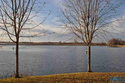 5011 SUNSET BLVD, Madison, SD 57042 - Photo 2