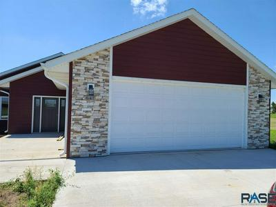 647 DOGWOOD CIR, Parker, SD 57053 - Photo 2