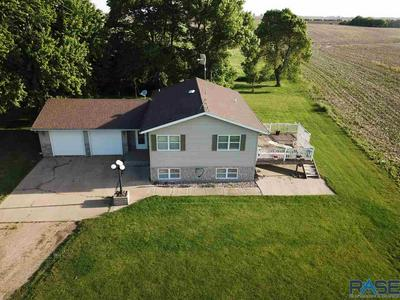 27533 458TH AVE, Parker, SD 57053 - Photo 2