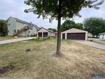 619 W LINCOLN ST, Luverne, MN 56156 - Photo 2