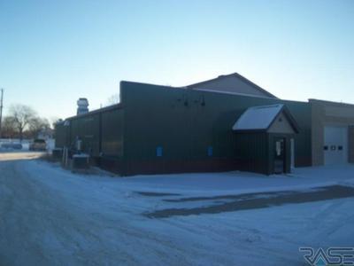 1000 MAIN ST, Edgerton, MN 56128 - Photo 2