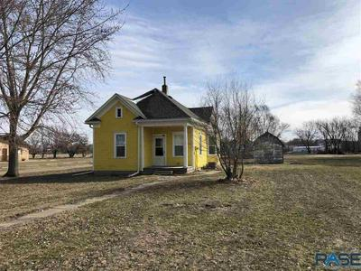 411 STAFFORD ST, Scotland, SD 57059 - Photo 1