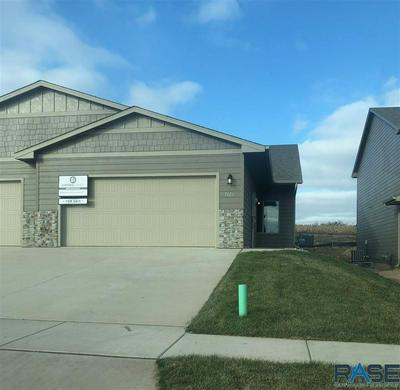 6213 S VINEYARD AVE, Sioux Falls, SD 57108 - Photo 1