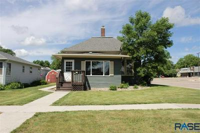 219 N BLANCHE AVE, Madison, SD 57042 - Photo 1
