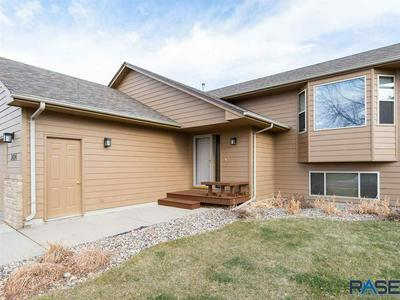 3424 S GOLDENROD LN, Sioux Falls, SD 57110 - Photo 2