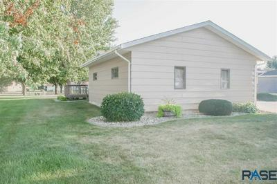 709 FIRE LEAF RD, Luverne, MN 56156 - Photo 2