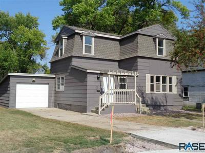 714 E 5TH ST, Dell Rapids, SD 57022 - Photo 1