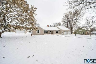 413 W CRAWFORD ST, Luverne, MN 56156 - Photo 2