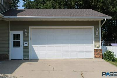 118 W LUVERNE ST, Luverne, MN 56156 - Photo 2