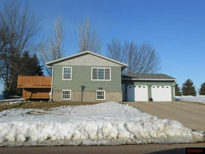 911 VALLEY DR, BLUE EARTH, MN 56013 - Photo 1