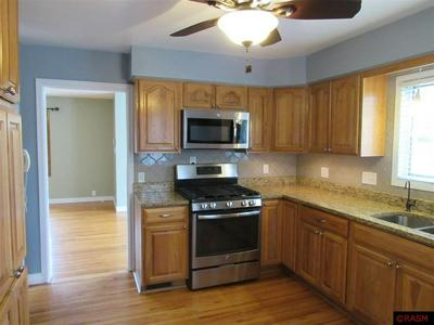 628 S RAMSEY ST, BLUE EARTH, MN 56013 - Photo 2