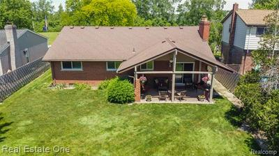 19279 COACHWOOD RD, Riverview, MI 48193 - Photo 2