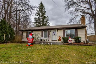 960 ROBBINS DR, Algonac, MI 48001 - Photo 1