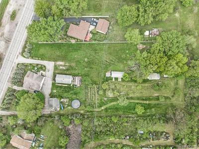 000 W JEFFERSON AVE, BROWNSTOWN TOWNSHIP, MI 48173 - Photo 2