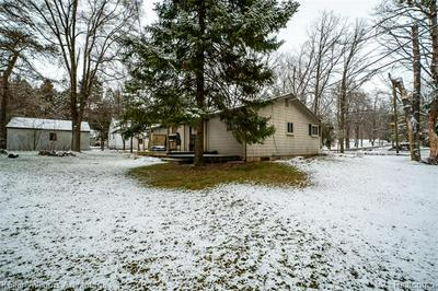 4304 COLLINS RD, Oakland Twp, MI 48306 - Photo 2