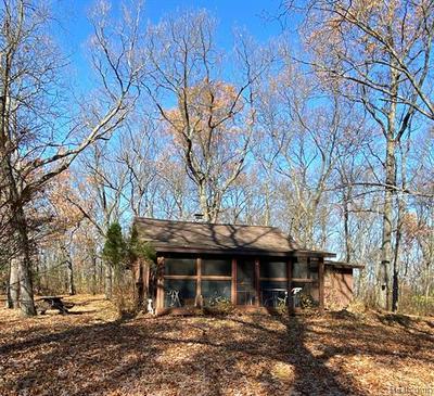 9626 SILVER HILL RD, Putnam Twp, MI 48169 - Photo 2