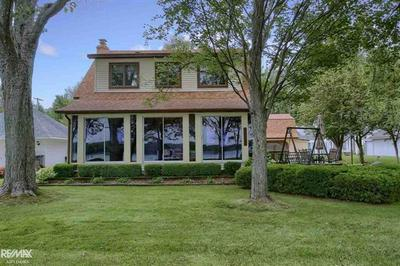 3532 S CHANNEL DR, CLAY TWP, MI 48028 - Photo 2