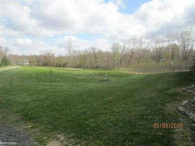 13363 IMLAY CITY RD, EMMETT TWP, MI 48022 - Photo 2