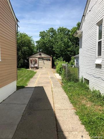 6487 PLAINVIEW AVE, Detroit, MI 48228 - Photo 2