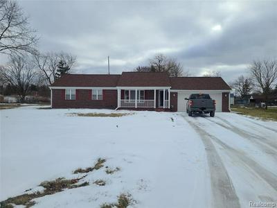 5393 MAPLETREE CT, Flint Twp, MI 48532 - Photo 1