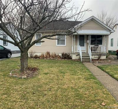 26081 BLUMFIELD ST, Roseville, MI 48066 - Photo 1