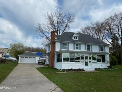 3256 S CHANNEL DR, CLAY TWP, MI 48028 - Photo 2