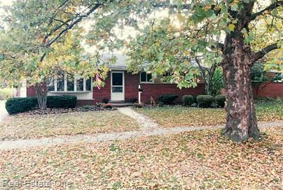 34063 ANN ARBOR TRL, Livonia, MI 48150 - Photo 2