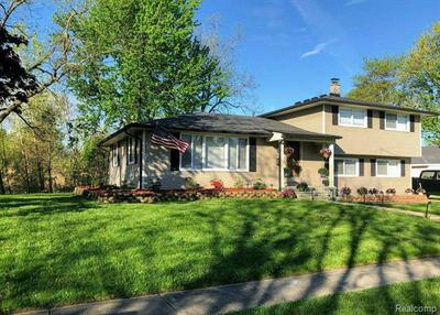 22211 WILLIAM ST, Rockwood, MI 48173 - Photo 2