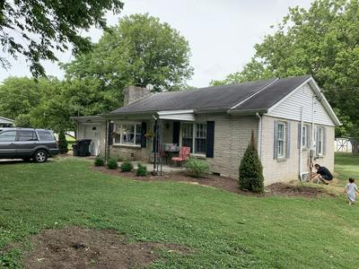 402 OLD DOUGLAS RD, Gallatin, TN 37066 - Photo 2