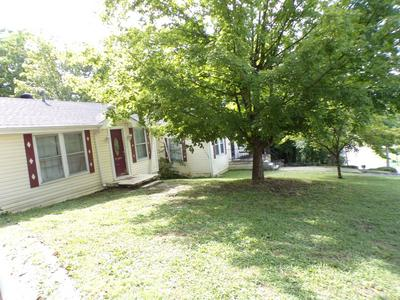 725 W MADISON ST, Pulaski, TN 38478 - Photo 1