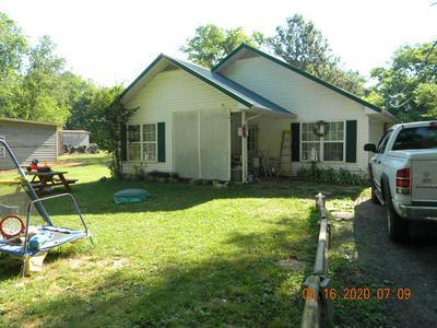 129 BAKER ST, Shelbyville, TN 37160 - Photo 2