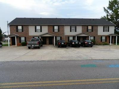 2453 W WILSON RD APT 1, Clarksville, TN 37043 - Photo 1