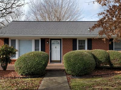 708 1ST AVE, Fayetteville, TN 37334 - Photo 2