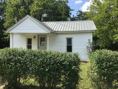504 REAVIS ST, Tullahoma, TN 37388 - Photo 2