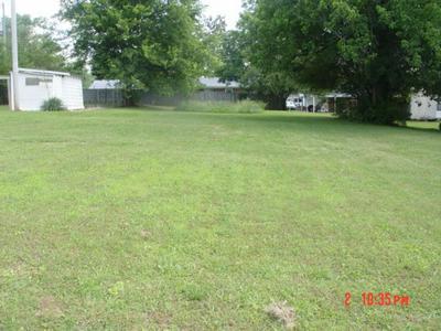 416 6TH ST, Lawrenceburg, TN 38464 - Photo 1