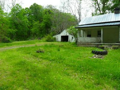 4160 LEM DAVIS RD, Cunningham, TN 37052 - Photo 2