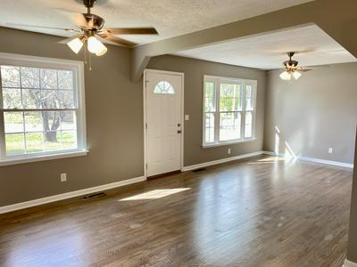 826 GENTRY AVE, Smithville, TN 37166 - Photo 2